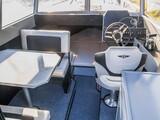 700 Cabin + V250 thumb
