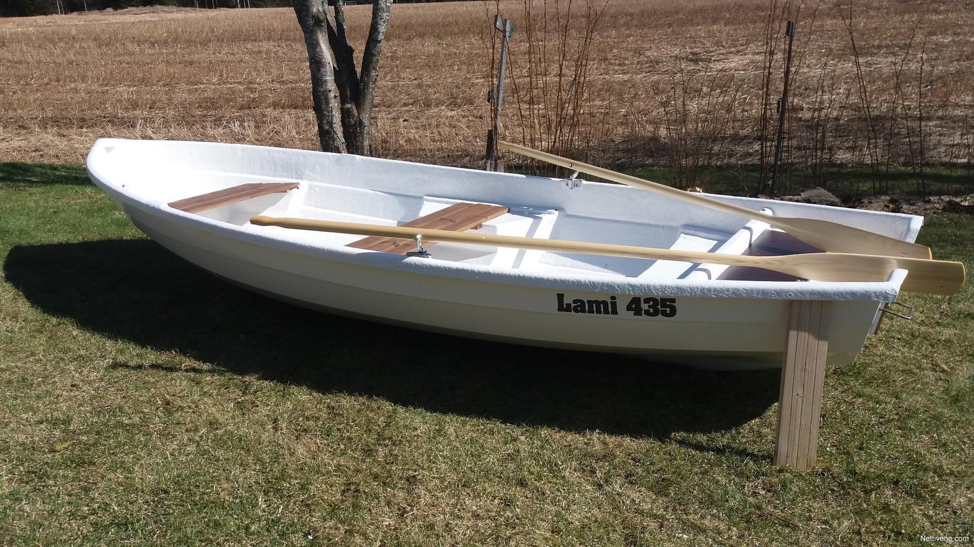 Tasaperäinen Soutuvene