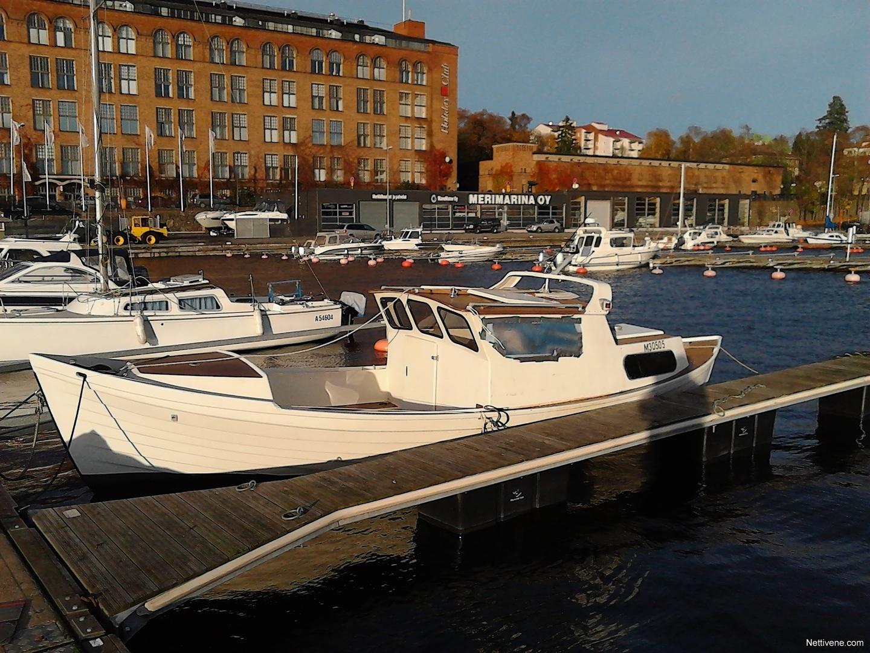 ulkopuolella Nainen vähän sisään Tampere