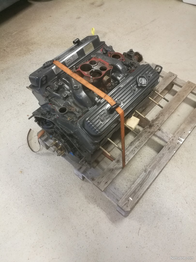 V8 Moottori