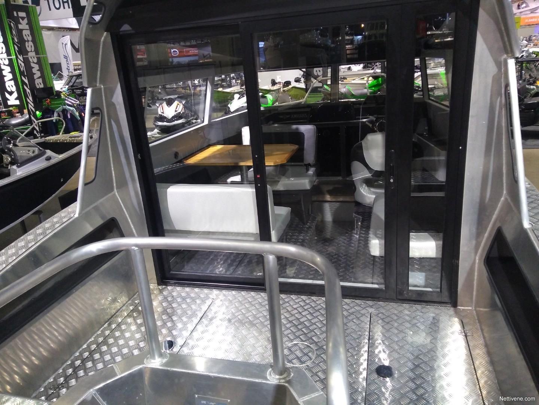 700 Cabin + F150