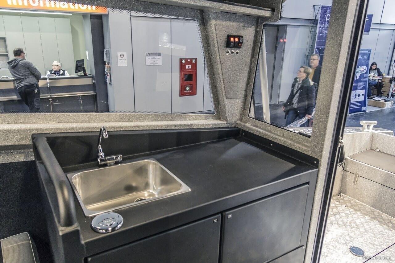 960 Cabin + 2x V250